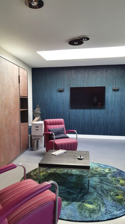 drijvers-oisterwijk-interieur-verbouwing-behang-armaturen-modern-particulier-detail-badkamer-woonkamer (13)