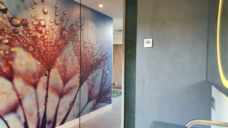 drijvers-oisterwijk-interieur-verbouwing-behang-armaturen-modern-particulier-detail-badkamer-woonkamer (4)