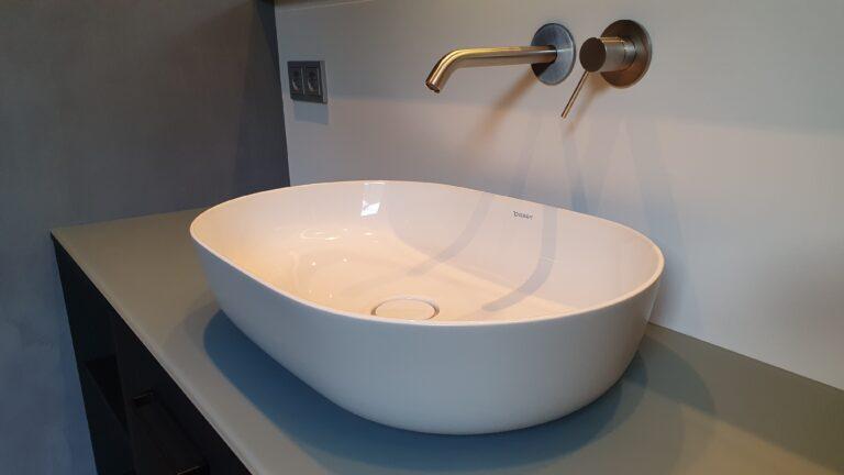 drijvers-oisterwijk-interieur-verbouwing-behang-armaturen-modern-particulier-detail-badkamer-woonkamer (8)