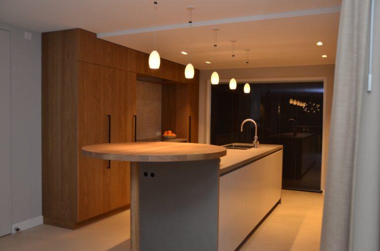 drijvers-oisterwijk-interieur-particulier-verbouwing-modern-armaturen-keuken-badkamer-woonkamer-eetkamer-tegel-hout-look (1)