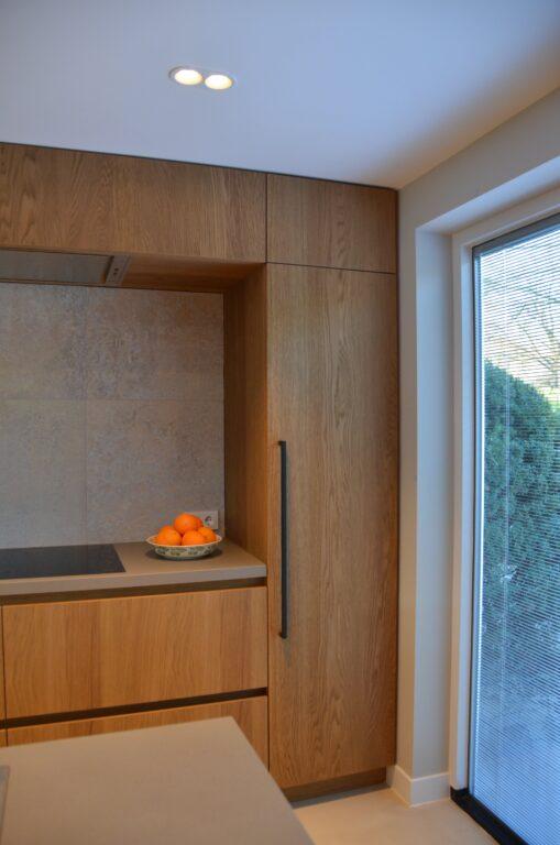 drijvers-oisterwijk-interieur-particulier-verbouwing-modern-armaturen-keuken-badkamer-woonkamer-eetkamer-tegel-hout-look (10)