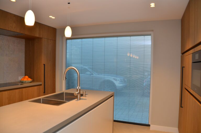 drijvers-oisterwijk-interieur-particulier-verbouwing-modern-armaturen-keuken-badkamer-woonkamer-eetkamer-tegel-hout-look (18)
