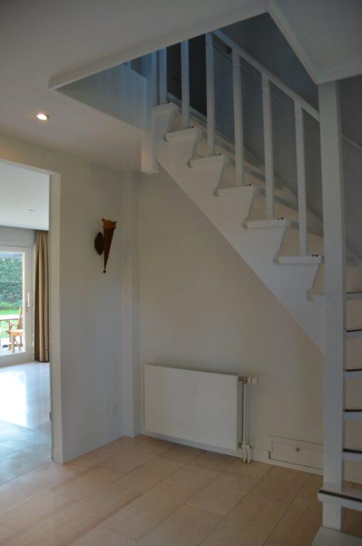 drijvers-oisterwijk-interieur-particulier-verbouwing-modern-armaturen-keuken-badkamer-woonkamer-eetkamer-tegel-hout-look (2)