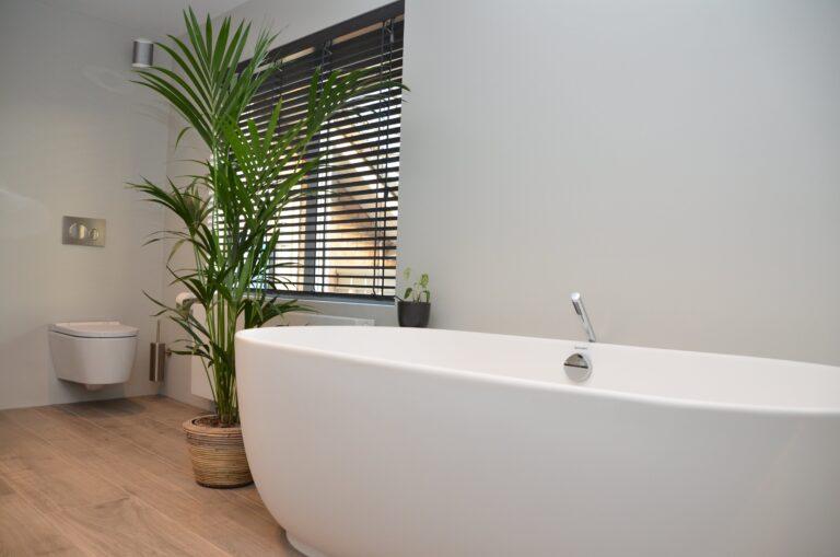 drijvers-oisterwijk-interieur-particulier-verbouwing-modern-armaturen-keuken-badkamer-woonkamer-eetkamer-tegel-hout-look (20)
