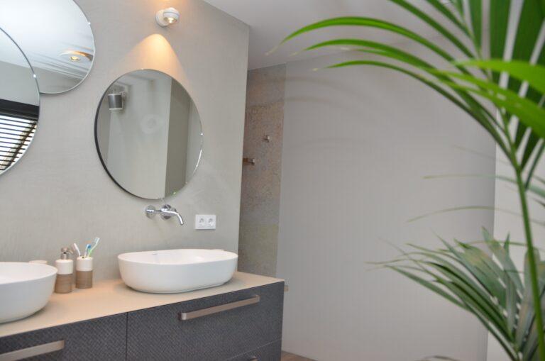 drijvers-oisterwijk-interieur-particulier-verbouwing-modern-armaturen-keuken-badkamer-woonkamer-eetkamer-tegel-hout-look (21)