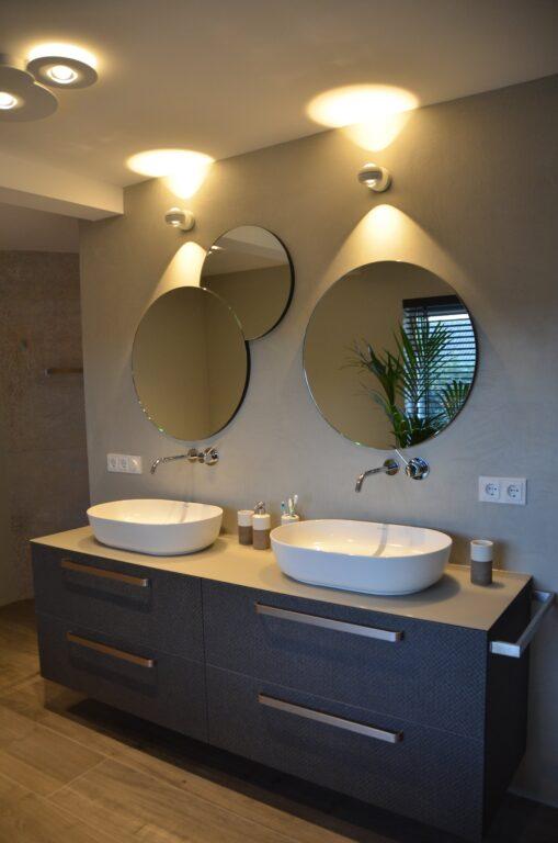 drijvers-oisterwijk-interieur-particulier-verbouwing-modern-armaturen-keuken-badkamer-woonkamer-eetkamer-tegel-hout-look (25)