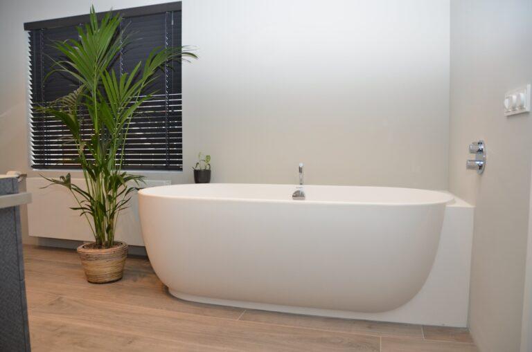 drijvers-oisterwijk-interieur-particulier-verbouwing-modern-armaturen-keuken-badkamer-woonkamer-eetkamer-tegel-hout-look (31)