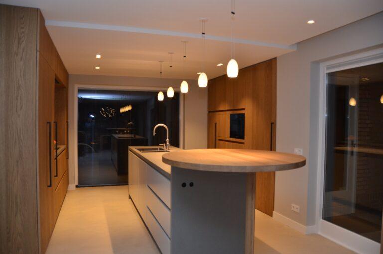 drijvers-oisterwijk-interieur-particulier-verbouwing-modern-armaturen-keuken-badkamer-woonkamer-eetkamer-tegel-hout-look (39)