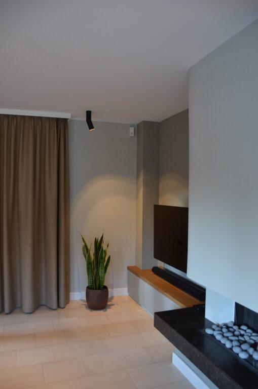 drijvers-oisterwijk-interieur-particulier-verbouwing-modern-armaturen-keuken-badkamer-woonkamer-eetkamer-tegel-hout-look (5)