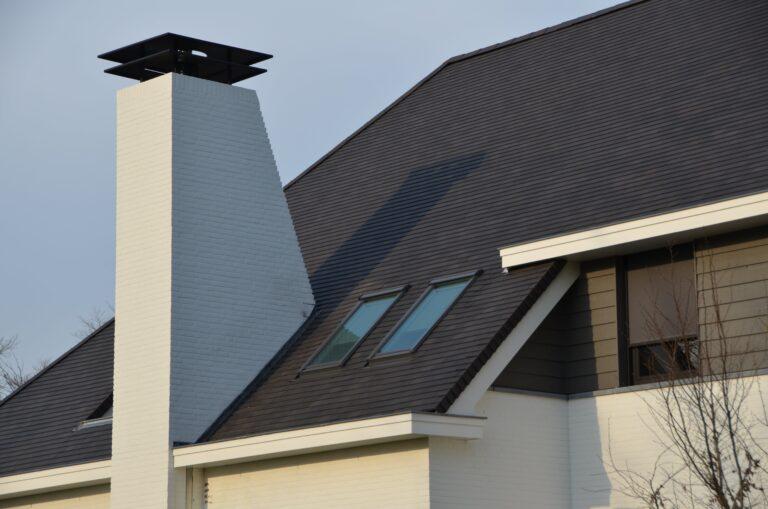 drijvers-oisterwijk-exterieur-nieuwbouw-villa-oisterwijk-modern-bakstenen-dakpannen-schoorsteen-wit (10)