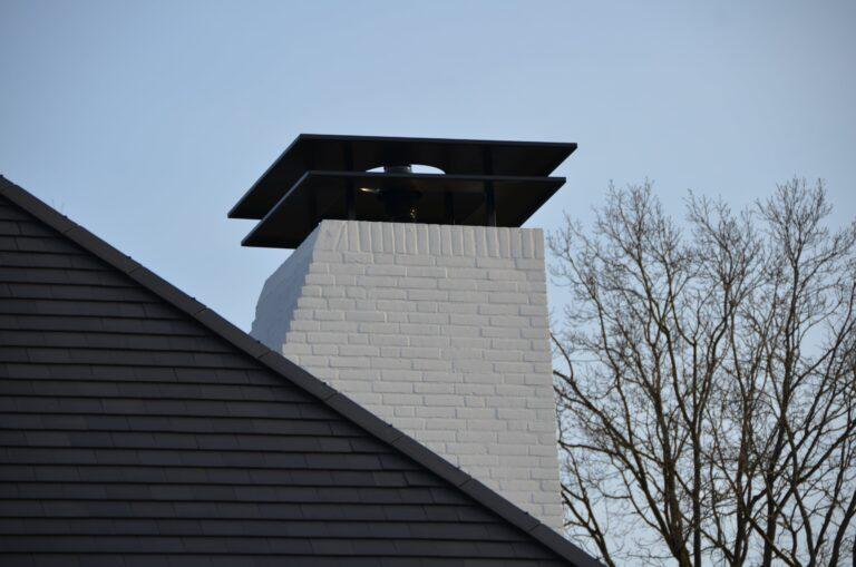 drijvers-oisterwijk-exterieur-nieuwbouw-villa-oisterwijk-modern-bakstenen-dakpannen-schoorsteen-wit (21)