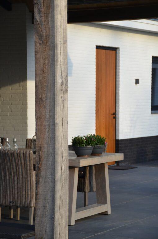 drijvers-oisterwijk-exterieur-nieuwbouw-villa-oisterwijk-modern-bakstenen-dakpannen-schoorsteen-wit (24)