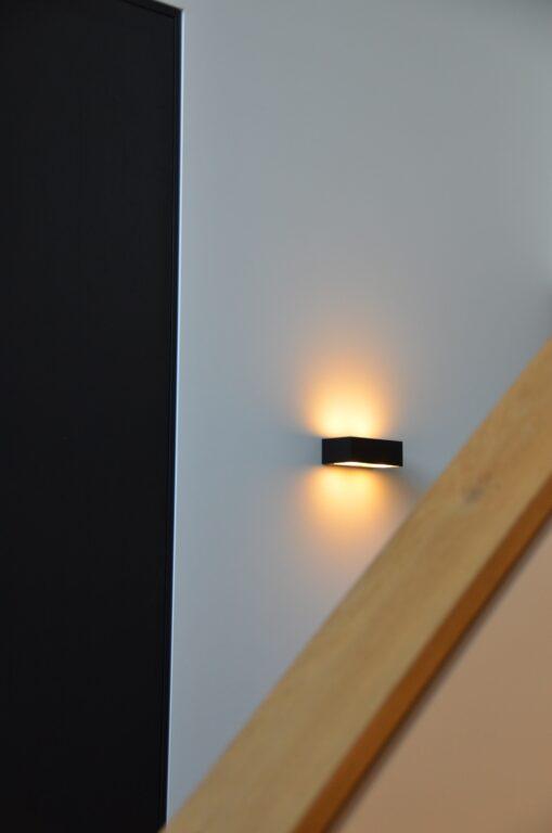 drijvers-oisterwijk-interieur-nieuwbouw-villa-zwarte-kozijnen-modern-meubels-keuken-sanitair-armaturen (14)