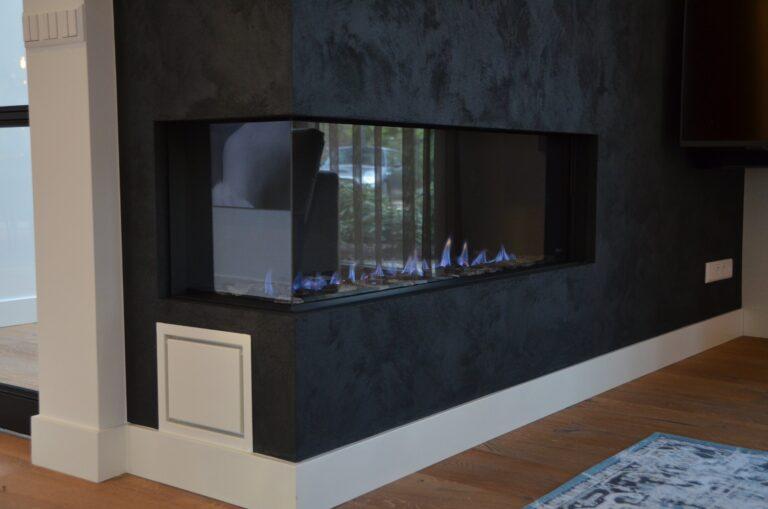 drijvers-oisterwijk-interieur-nieuwbouw-villa-zwarte-kozijnen-modern-meubels-keuken-sanitair-armaturen (17)
