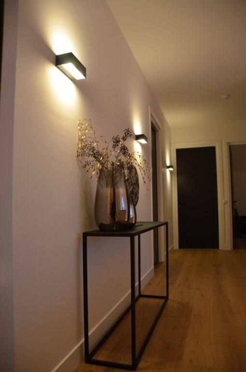 drijvers-oisterwijk-interieur-nieuwbouw-villa-zwarte-kozijnen-modern-meubels-keuken-sanitair-armaturen (45)