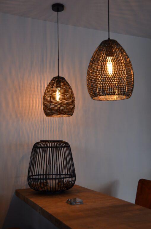 drijvers-oisterwijk-interieur-nieuwbouw-villa-zwarte-kozijnen-modern-meubels-keuken-sanitair-armaturen (5)