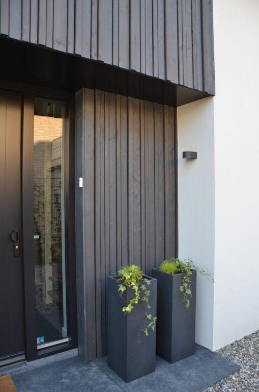drijvers-oisterwijk-verbouwing-exterieur-interieur-particulier-modern-gemoderniseerd-houten-gevel-spanten-zwembad-wit-stucwerk-pannendak (23)