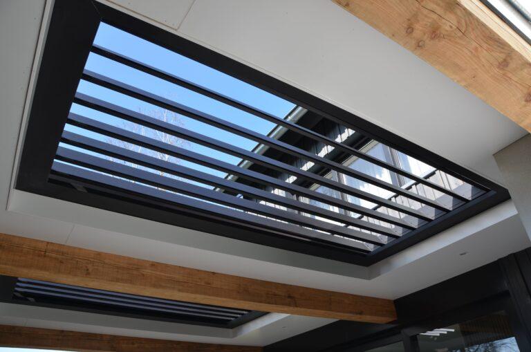 drijvers-oisterwijk-verbouwing-exterieur-interieur-particulier-modern-gemoderniseerd-houten-gevel-spanten-zwembad-wit-stucwerk-pannendak (31)
