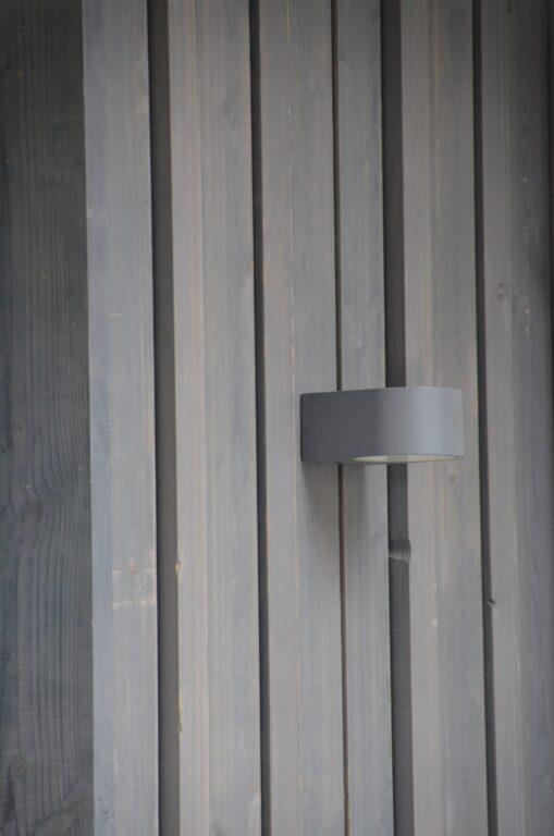 drijvers-oisterwijk-verbouwing-exterieur-interieur-particulier-modern-gemoderniseerd-houten-gevel-spanten-zwembad-wit-stucwerk-pannendak (5)