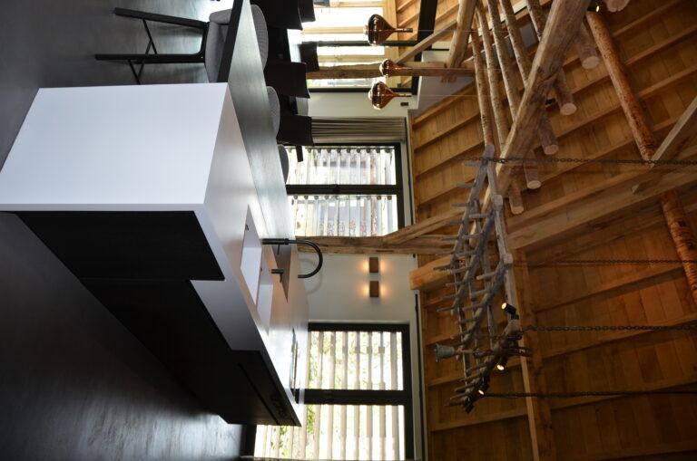 drijvers-oisterwijk-interieur-particulier-nieuwbouw-villa-boerderij-modern-landelijk-hout-spant (15)